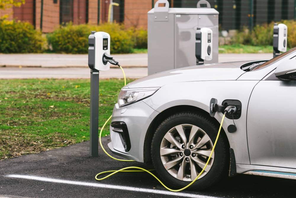 2030 -cu ilə qədər dünyada elektrikli avtomobillər üçün 40 milyon şarj stansiyası quraşdırılacaq