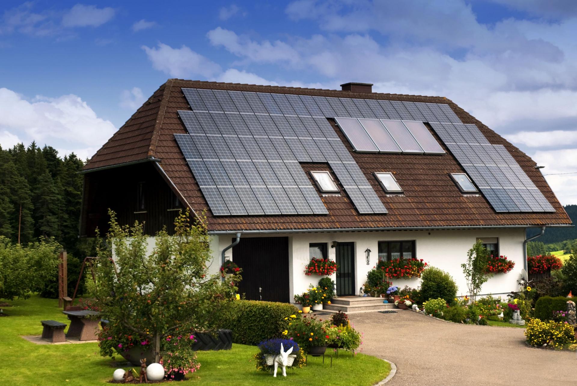 Ev üçün Günəş Elektrik Stansiyaları